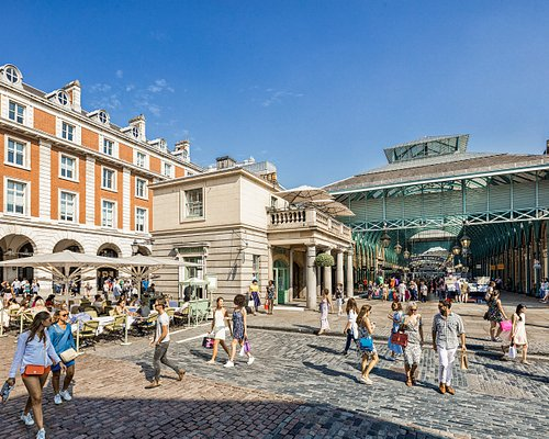 Covent Garden is a world-class shopping and dining destination attracting food-lovers and fashionistas alike. Buzzing with the excitement of the opera and theatreland, the area boasts some of the best shopping and dining destinations in London's West End