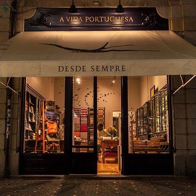 Montra da loja (fotografia nocturna), rua de Cândido dos Reis, 36