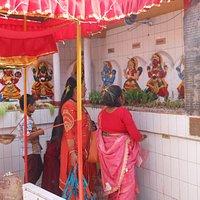 Verso lo Swayambhunath, il tempio di Shobabaghwati