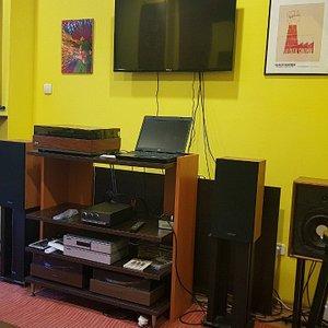 Hi-fi system for vinyl sessions