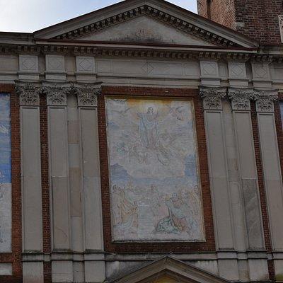affreschi in facciata