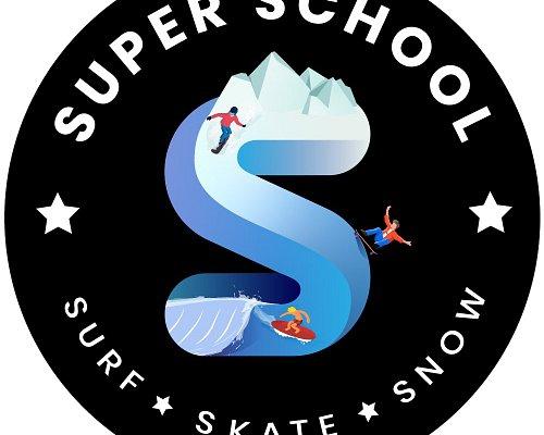 SUPER SCHOOL LOGO ®©™