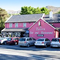 Pretty in Pink, The Tavern Bar & Restaurant, Mujrrisk