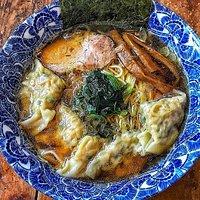 肉厚ワンタン麺650円