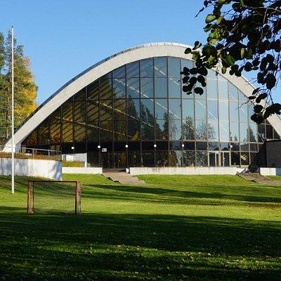 Urheilupuiston uimahalli