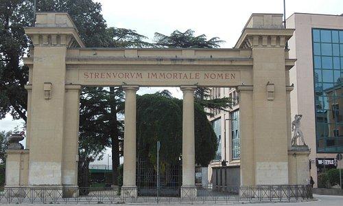 L'attuale propileo a Porta Romana