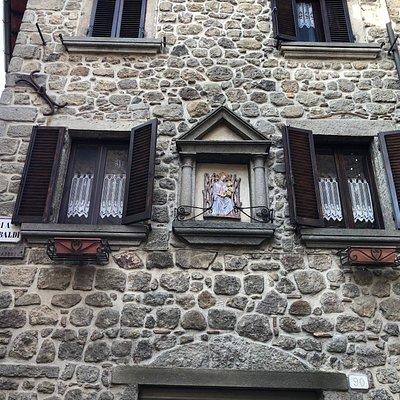 Scorci  e particolari architettonici del Borgo ...