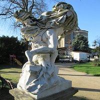 Détail de la statue
