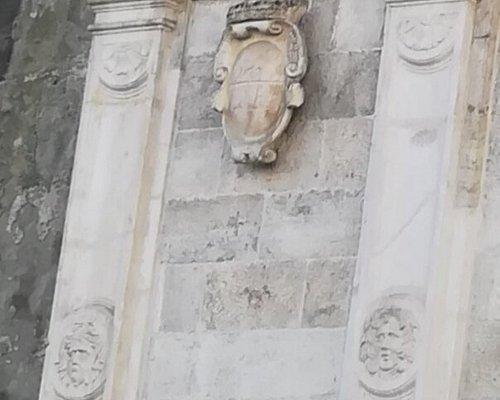Fontana del Formiello, Piazza Enrico de Nicola, Неаполь, январь.