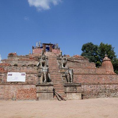 Bhaktapur, Durbar Square, il tempio distrutto di Fasidega