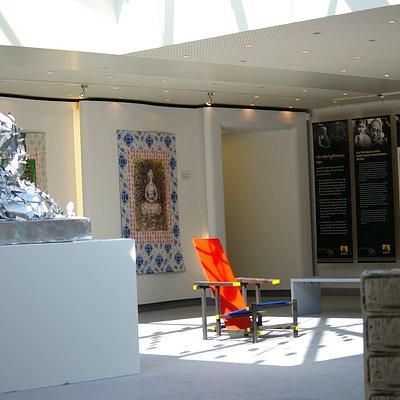 De eerste zaal met de permanente tentoonstelling.
