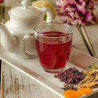 """Este té de """"La Valeriana"""" debes tomar es un """"must"""" contiene ayrampo (semilla regional que dá color magenta y es bueno para el estómago) valeriana y otros frutos que le dan un sabor exquisito!"""