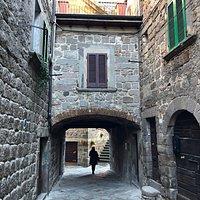 La Porta del CASSERO , una delle quattro Porte del Centro Storico !