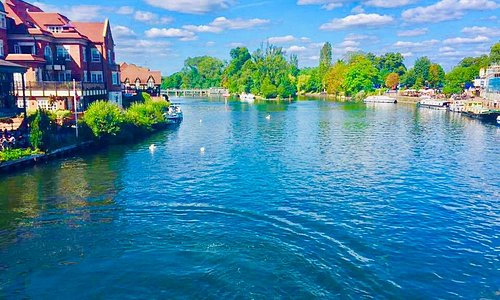 The River Thames from Eton bridge just by the Eton Information Centre. Taken by Paul Wright