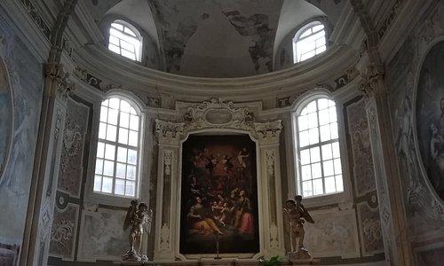 PIETRASANTA - Battistero, altare