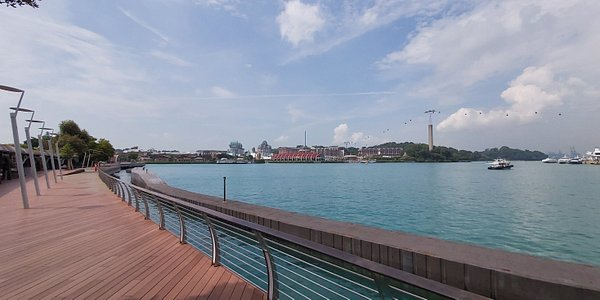 View along Sentosa Boardwalk