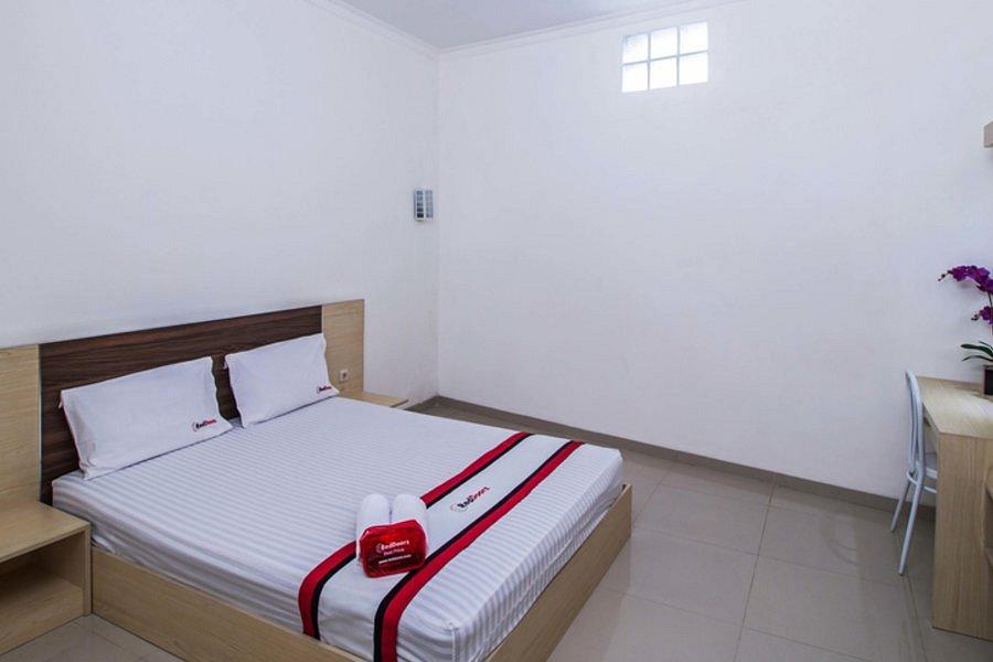 Reddoorz Jatiwaringin Bekasi Indonesia Ulasan Perbandingan Harga Hotel Tripadvisor