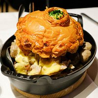 our famous classic: Vol au vent, sweetbreads, french fries, salad served by two people!
