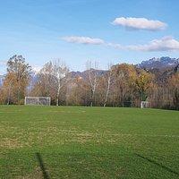 Campo Calcio con vista Resegone e Grigna