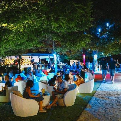 Ledana lounge and bar