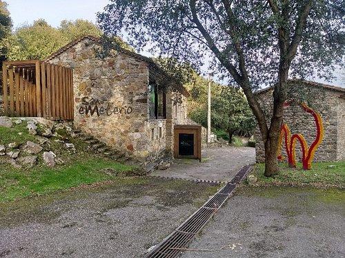 Centro de Interpretación de San Ementerio y la Cueva del Pindal