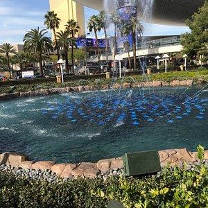 NV, Las Vegas, Wynn Esplande Fountain -1