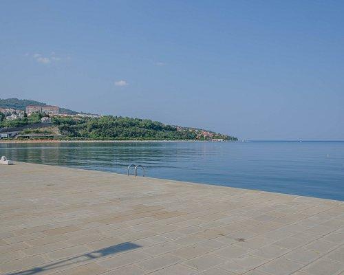 Widok z nadmorskiej  promenady w Koprze