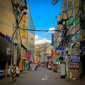 Moments of Dongdaemun Market - Seoul 2020.