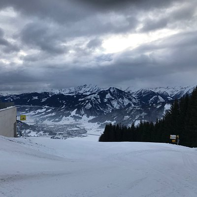 When you are an early bird, slopes look like this..