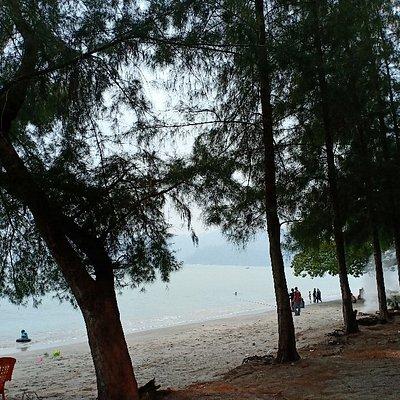 Pantai Peranginan Teluk Senangin