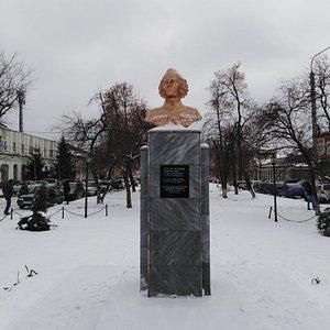 Памятник военному врачу