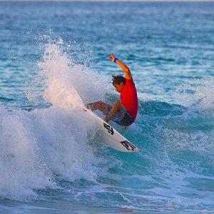 Surfing TLV