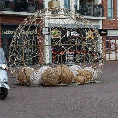 Инсталляции в Нидерландах во всех городах. Waddinxveen не исключение.