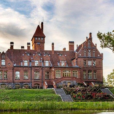 Jaunmoku pils (Palace)