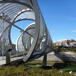 Playa de Madrid Ríoにあった歩道橋