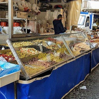 Saturday market in San Giovanni Gemini /Cammarata