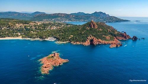 Les roches rouges du Cap Dramont