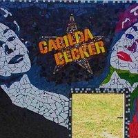 Uma das faces do monumento em mosaico na Praça Cacilda Becker