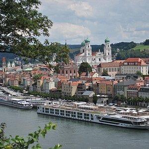 Index - Kerékagy - Duna, béke, tüköraszfalt: km bringás mennyország