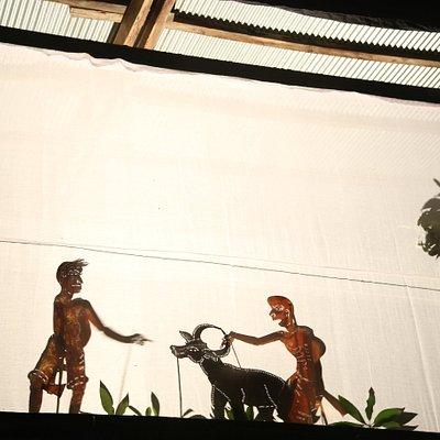sbaek toch / small shadow puppets