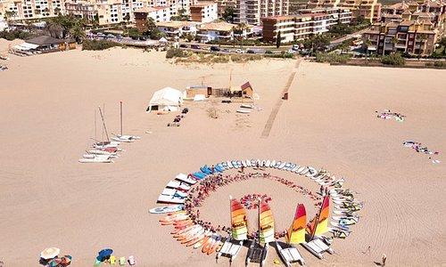 En Isla Canela u Punta del Moral contamos con una gran variedad de actividades ideal para todas las edades:Catamarán , Windsurf, Kitesurf, Paddlesurf, Kayak , surf e Hidropedales.