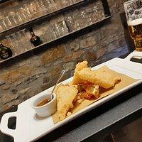 Nero di Pienza croccante, pomodori verdi fritti e miele di castagno
