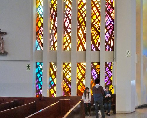 Stained glass window by A.. Winternitz and its reflection