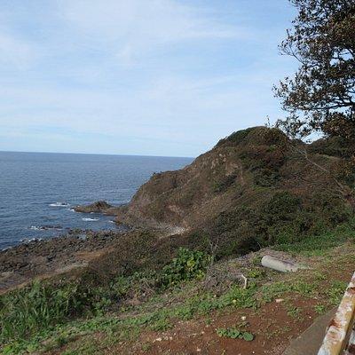 石川県の能登半島のほぼ最北端。日本海に面した公園で海水浴場やキャンプ場・公園・展望台などが整備されているそうです。