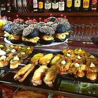 restaurante en Jaca. Bar Marboré. Barra de Pinchos