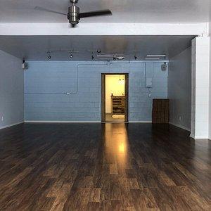 Simple & clean studio