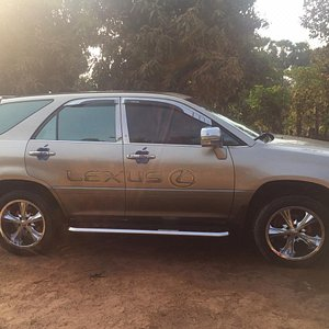 Lexus private taxi driver to siem reap