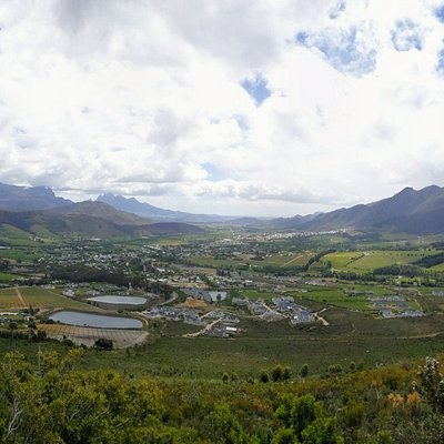 This is the scenic Franschhoek Wine Valley. Franschhoek Taxis offer transfers and Private Non-Guided Driver Services within Franschhoek and the surrounds. We offer transfers to wineries, restaurants, golf courses, surrounding towns and the airport. Visit www.franschhoektaxis.co.za