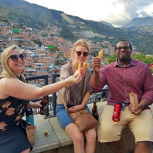Best private bilingual tours in Medellin
