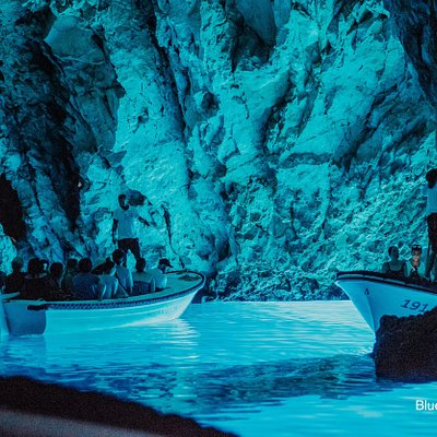 Blue cave by Providneca Charter Trogir split boat excursion